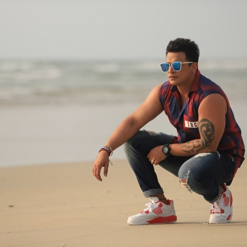 Prince-Narula-Age-Wiki-Wife- Girlfriend-Family-Height-Photos-Biography-2